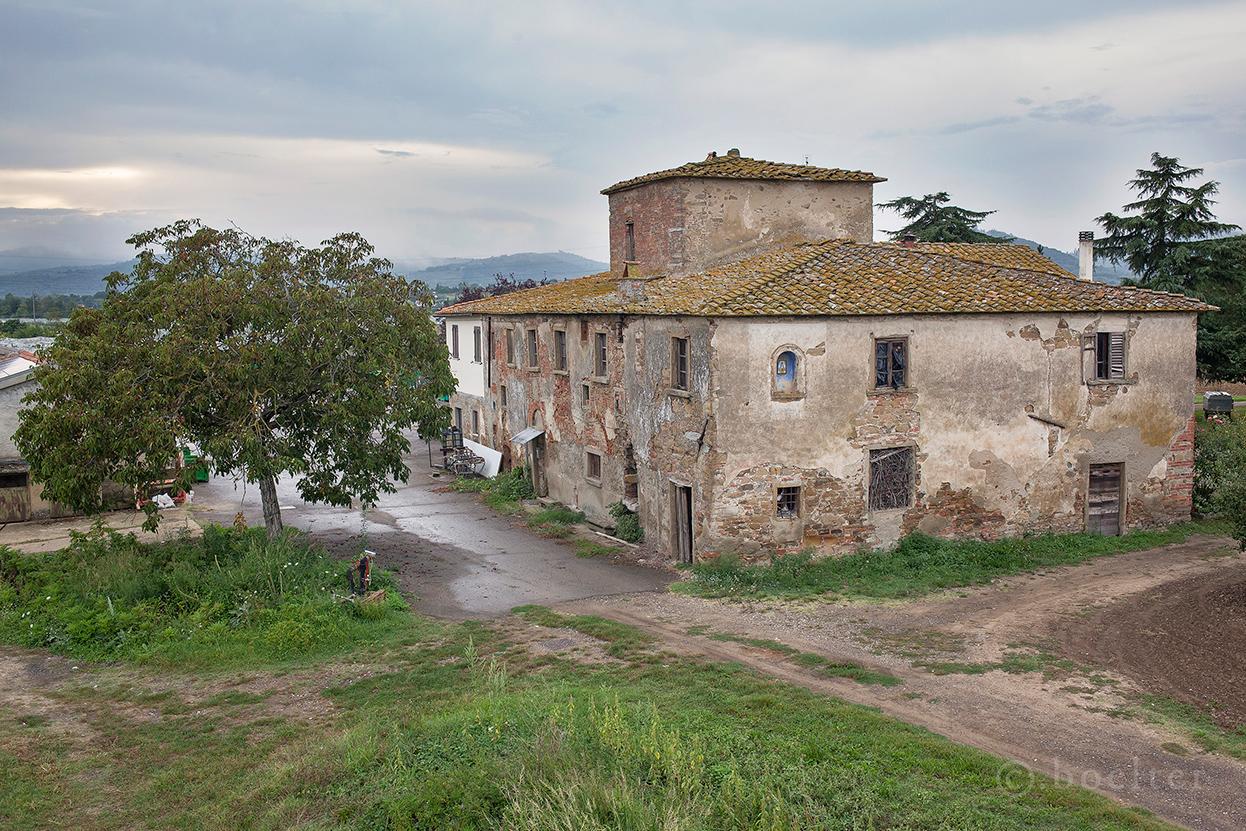 Case coloniche poderi fattorie e ville in italia for Ville in italia
