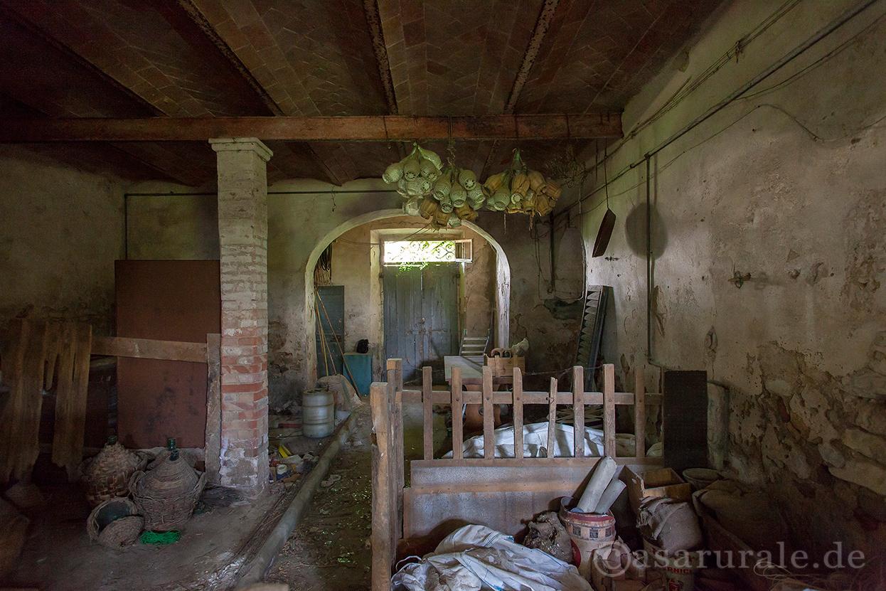 Case rurali poderi e ville in italia rustici in toscana for Case interni rustici